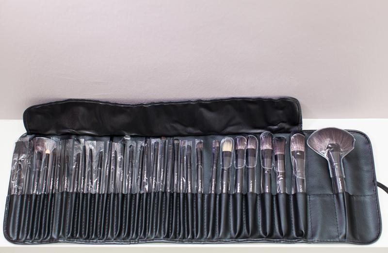 Mac Makeup Brush Set 32 Piece