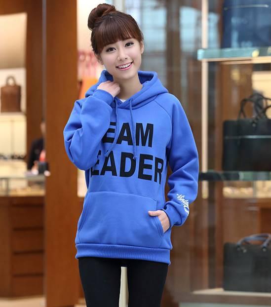 เสื้อกันหนาว แขนยาว บุกันหนาว มีฮูด กระเป๋าหน้า Team Leader สีฟ้า