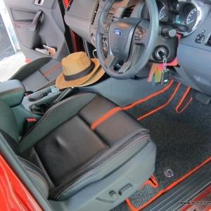พรมดักฝุ่นไวนิล ชุด Full จำนวน 10 ชิ้น Ford Ranger Super Cab 2012-2018