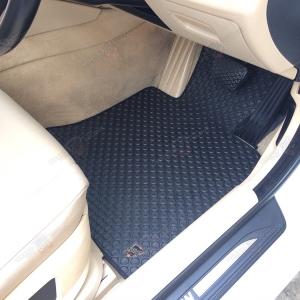 พรมกระดุม Original ชุด Full จำนวน 5 ชิ้น BMW Serie 5 F10