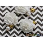 ดอกไม้ แม่เหล็ก สีขาว ห้อยมุข