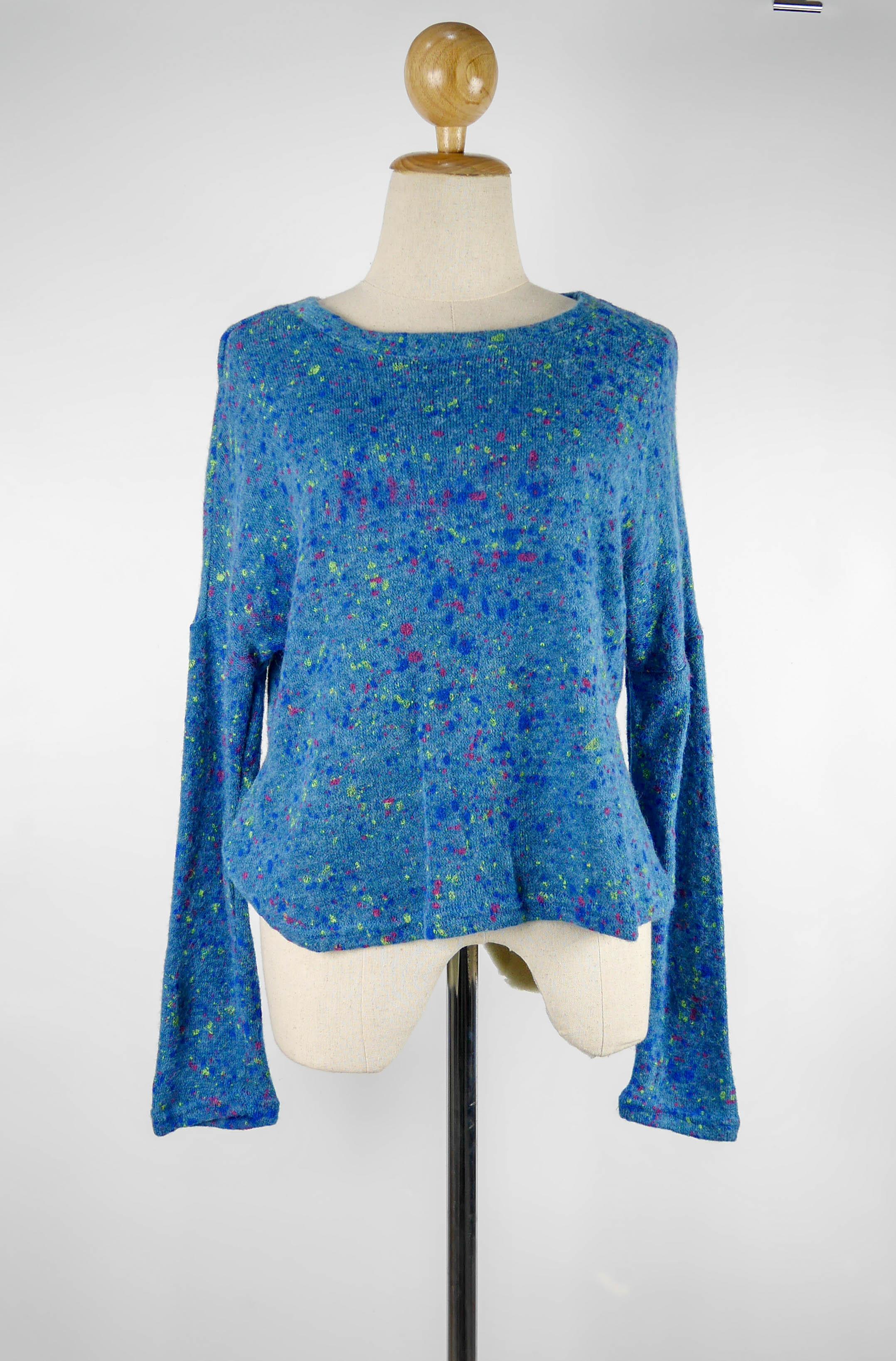 (SALE) เสื้อแขนยาว แฟชั่น ลายจุดหลากสีตามภาพ สีน้ำเงิน