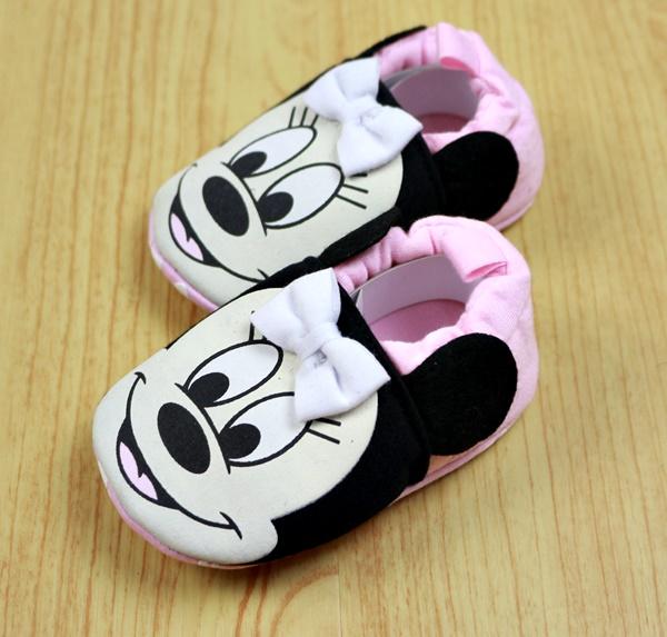 รองเท้าเด็กเล็กพื้นกันลื่น (11,12,13 ซม.)