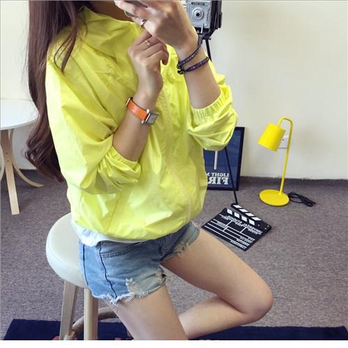 เสื้อคลุม แขนยาวผ้าร่ม มีฮูด ซิปหน้า สีเหลืองเรืองแสง