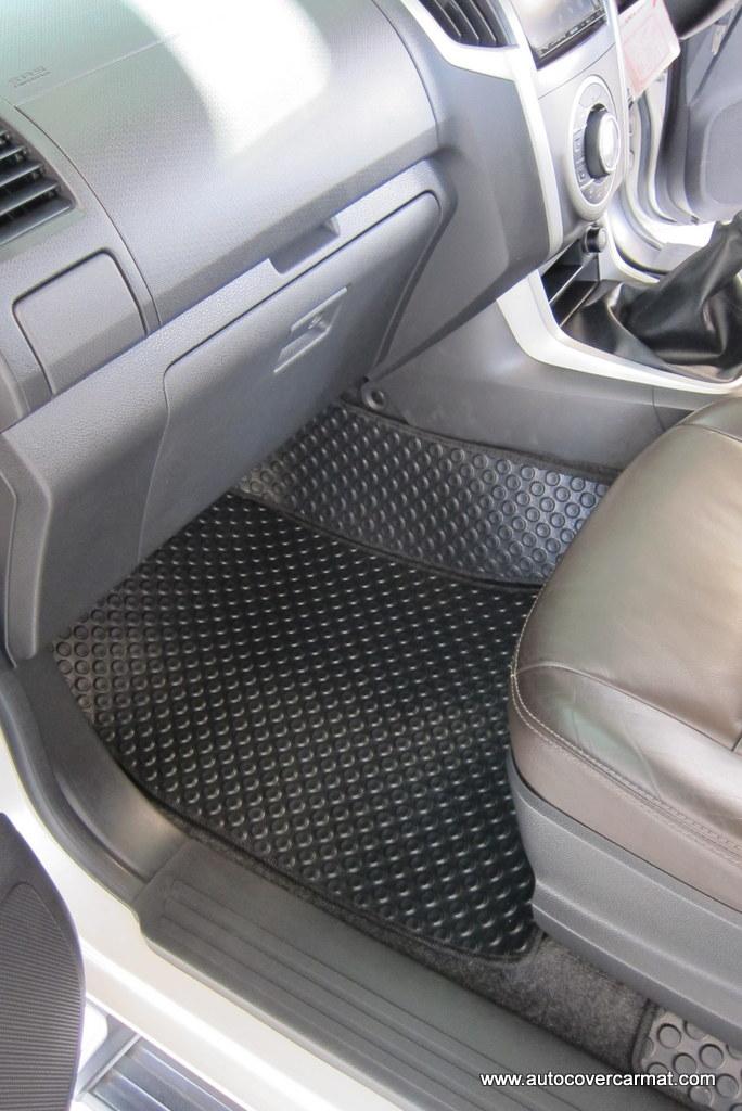 พรมกระดุม Original ชุด Full จำนวน 8 ชิ้น Chevrolet Corolado 4 Door 2011-2016 สำเนา