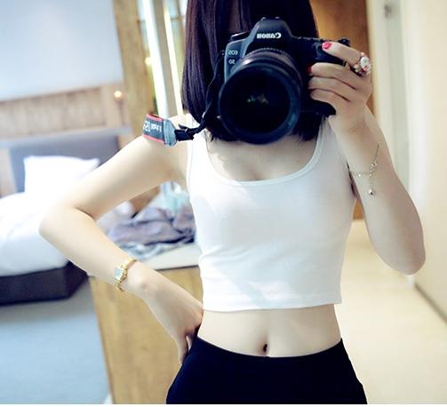 เสื้อกล้าม สีขาว