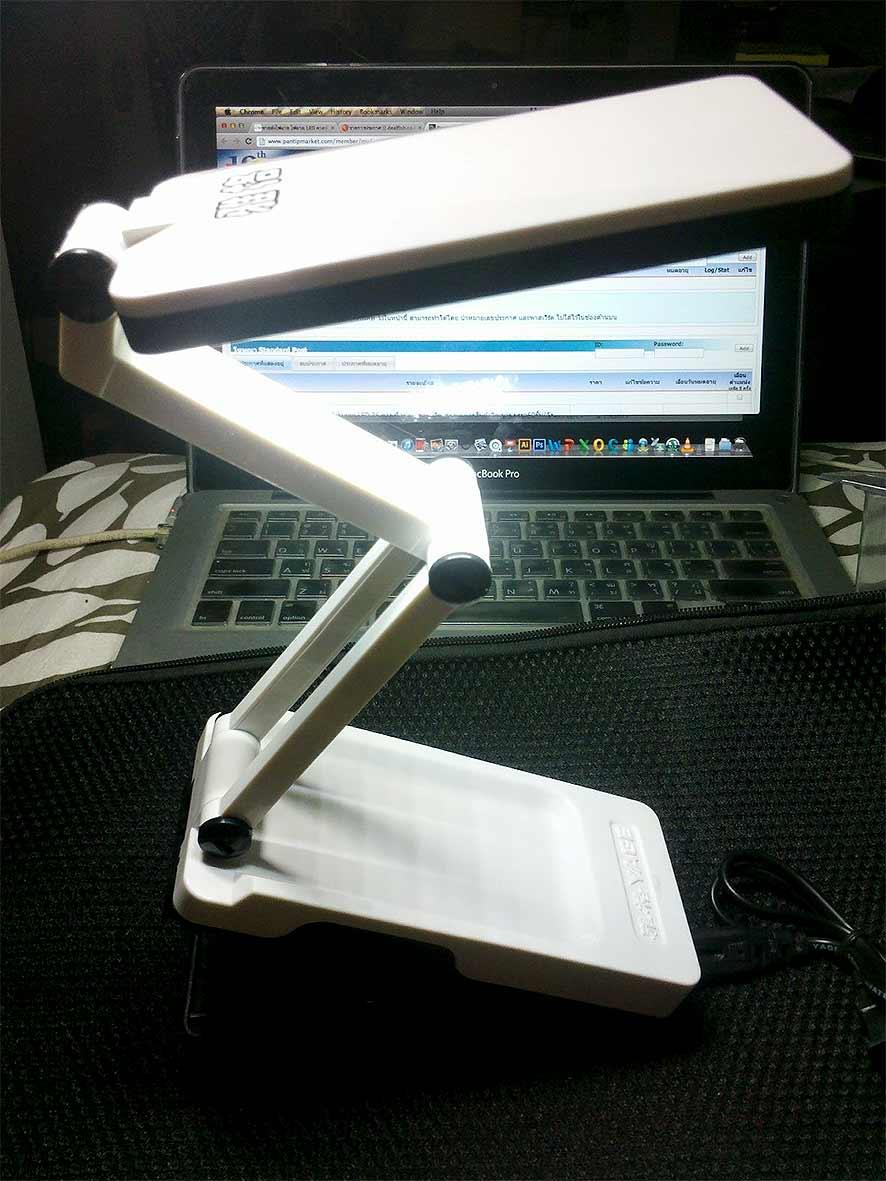 โคมไฟตั้งโต๊ะ LED 22 ดวง หนีบได้YG3984