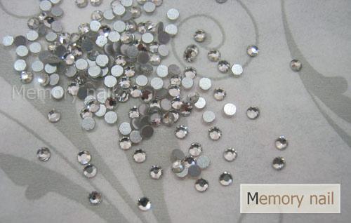 เพชรชวาAA สีขาว ขนาด ss6 ซองเล็ก บรรจุประมาณ 80-100 เม็ด