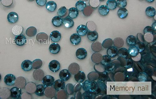 เพชรชวาAA สีฟ้า ขนาด ss6 ซองเล็ก บรรจุประมาณ 80-100 เม็ด