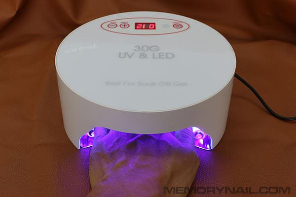 เครื่องอบเจล LED ทรงวงกลมกระบอก สีขาว หน้าจอดิจิตอล