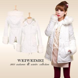 Pre-เสื้อโค้ทกันหนาวลูกไม้แต่งเฟอร์สีขาว S/M/L