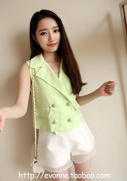 (SALE) เสื้อกั๊ก แฟชั่น สีเขียว