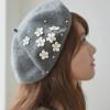 พร้อมส่ง-หมวกเบเร่ต์แฟชั่นสไตล์เกาหลี ติดดอกเดซี่สวยๆ สีเทา