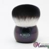 แปรงปัดฝุ่น อันเล็ก ขนสีขาวดำ ด้ามสีม่วงดำ แบรนด์ KIKO