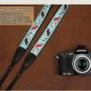 สายคล้องกล้องลายปัก cam-in Merry Blue