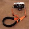 สายคล้องกล้องลดแรงกดคอ ไม่ปวดคอ ไม่ปวดไหล่ สีส้ม