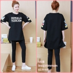 ชุดเซ็ตเสื้อยืดสีดำผ้านิ่มสกีนลาย+เลกกิ้งขายาวสีดำแถบขาวเอวมีสายปรับ