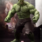 Hot Toys MMS 186 The Avengers Hulk 1/6th Scale Limited Edition Collectible Figurine