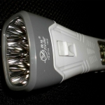 สินค้าแนะนำ ไฟฉาย+วิทยุ LED ตรงหัว 6 ดวง LED ตรงด้าม 12 ดวง ขายดี สีเงิน YG3714