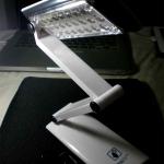โคมไฟอ่านหนังสือสีขาวรุ่นพิเศษหมุนได้ 360องศาสวิทช์แบบสัมผัส ชาร์จไฟบ้านได้ สินค้าขายดีราคาพิเศษ YG3979