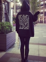 (ภาพจริง) เสื้อแฟชั่น แขนยาว มีฮูด ลาย hoodie อักษรด้านหลัง สีดำ