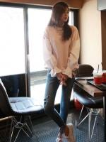 เสื้อแฟชั่น คอกลม แขนยาว แขนแต่งผ้าต่อจั๊มปลาย สีชมพู