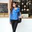 (ภาพจริง)เสื้อคลุมแฟชั่น ซิปหน้า ผ้าหนังเทียมแต่งลูกไม้ แขนยาวลูกไม้ สีฟ้า