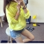 เสื้อคลุม แขนยาวผ้าร่ม มีฮูด ซิปหน้า สีเหลืองเรืองแสง thumbnail 1
