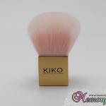 แปรงปัดฝุ่น อันเล็ก ขนสีชมพูอ่อน ด้ามทอง แบรนด์ KIKO