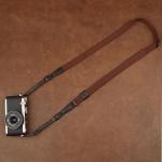 สายคล้องกล้อง รุ่น Universal - กล้อง Mirrorless กล้องฟรุ้งฟริ้งและกล้องเล็ก สีน้ำตาล