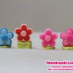 ตุ๊กตาอะคริลิค ดอกไม้ (คละสี)