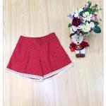 กางเกงขาสั้น ผ้าแคนวาสแต่งลูกไม้ ลายจุด สีแดง เอว 36-46 นิ้ว
