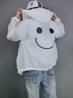 เสื้อคลุมแฟชั่น แขนยาว ซิปหน้า ลายอมยิ้ม ผ้าร่ม สีขาว