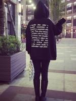 เสื้อแฟชั่น แขนยาว มีฮูด ลาย hoodie อักษรด้านหลัง สีดำ