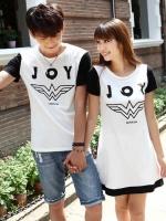 ชุดคู่รัก ชายเสื้อแฟชั่นพิมพ์ลาย JOY + หญิง เดรสแฟชั่น สีขาว