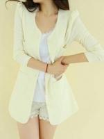เสื้อคลุมทรงสูท ผ้าpoly ester แขนยาว กระดุมหน้า สีขาว