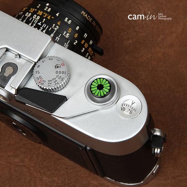 Soft Shutter Release Button รุ่น 10 mm ลายดอกไม้เขียว ใช้กับ Fuji XT20 XT10 XT2 XE2 X20 X100 XE1 Leica ฯลฯ