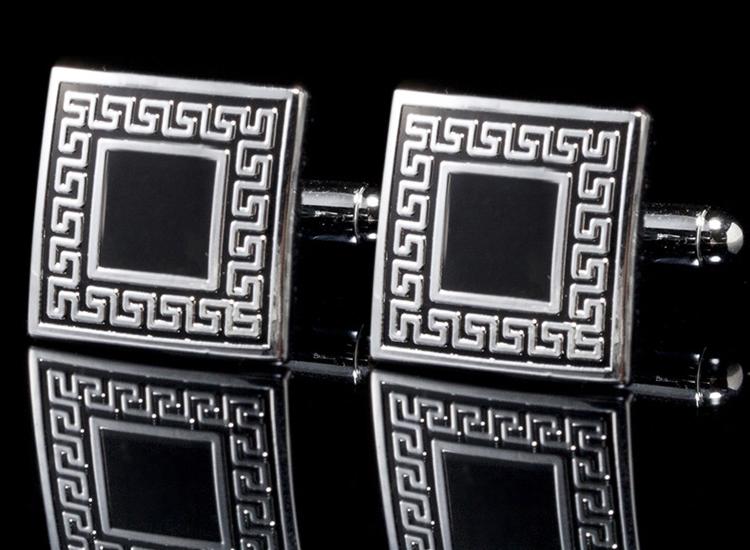 I1301 CUFF LINKS สี่เหลี่ยมดำขอบเงิน + ขอบเงินลายเส้นเขาวงกต