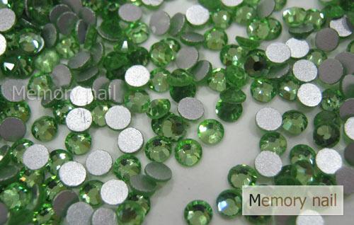 เพชรชวาAA สีเขียวอ่อน ขนาด ss8 ซองเล็ก บรรจุประมาณ 80-100 เม็ด