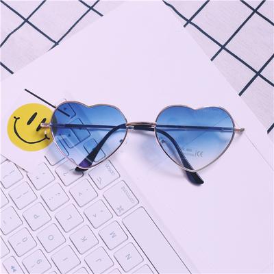 แว่นตา รูปหัวใจ ฮาราจูกุ (Harajuku) สีน้ำเงิน ไล่โทนสี กรอบสีทอง (UV400)