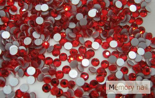 เพชรชวาAA สีแดง ขนาด ss10 ซองเล็ก บรรจุประมาณ 80-100 เม็ด