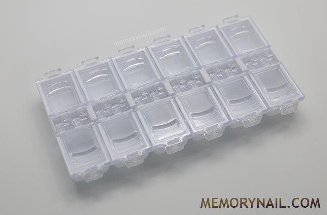 กล่องใส่อุปกรณ์ ตกแต่งเล็บ ทรงเหลี่ยมยาว 12ช่อง สีขาว