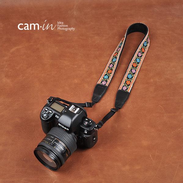 สายคล้องกล้องลายถักดอกไม้ cam-in Color of Flora